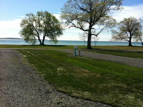 Quinte's Isle Campark: New pull thru site 50amp/water/sewer hook up