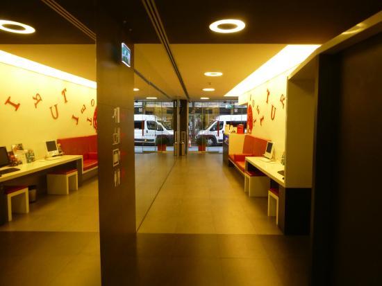 hotel turin lobby picture of turin hotel barcelona tripadvisor. Black Bedroom Furniture Sets. Home Design Ideas