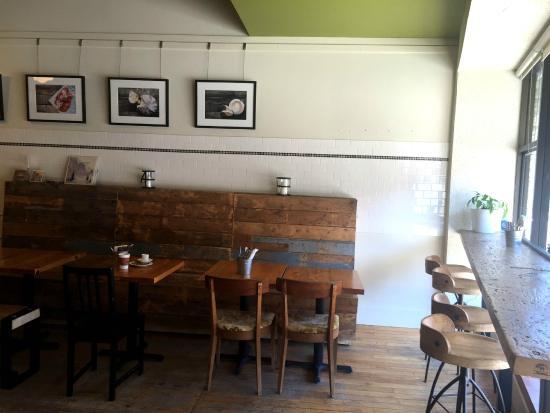 Ciboulette et Cie - A Food Shop : interior