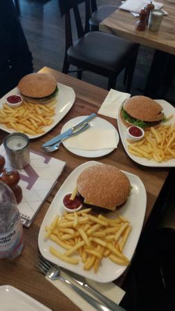 Novus: Burgers!