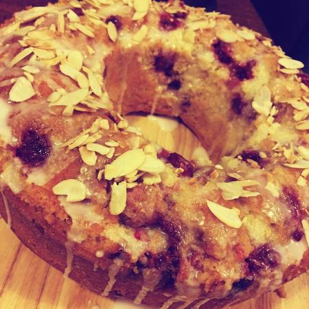 Peckish Cafe: Cherry & almond cake