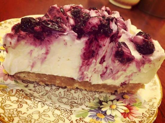 Peckish Cafe: Blueberry cheesecake