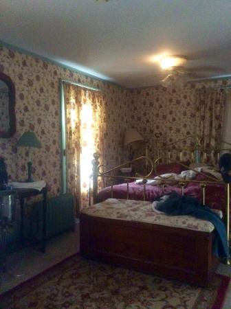 Rider's Inn: Suzanne's room
