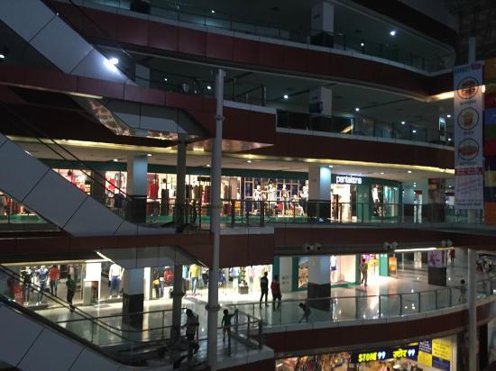 Meerut, Indie: Inside Mall