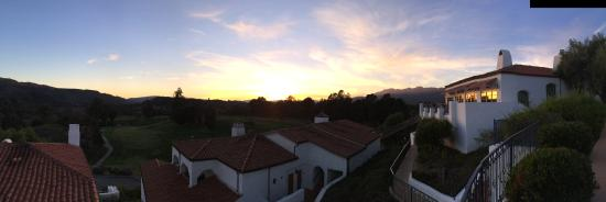 Ojai Valley Inn: View of sunset over property