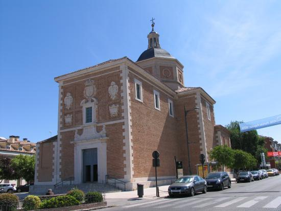 Arantour-Chiquitrén: Iglesia de Alpajes