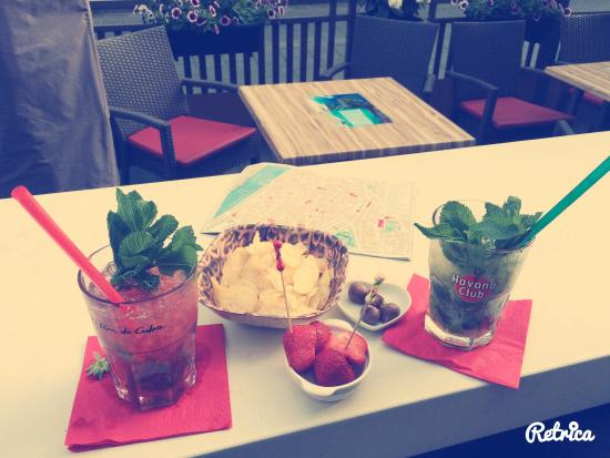 Bar Cartagena : Having great time ��������