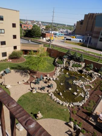 Stoney Creek Hotel & Conference Center - Sioux City: Courtyard