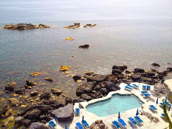 Hotel Scannella: piscina termale scavata nella roccia