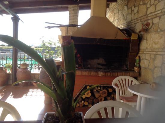 Elia & Tina Villa : There a great barbecue.