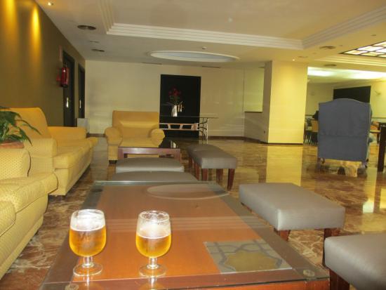 Hotel Don Paco: bar/ lobby area