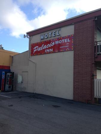 Palacio Inn Motel: Бесплатаня автостоянка