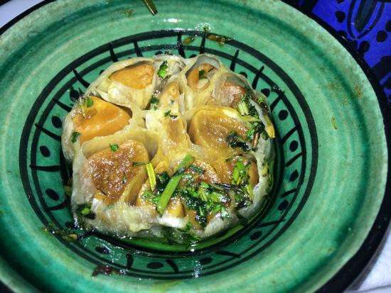 Restaurant Look: Whole baked Garlic