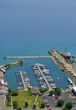Mackinaw City Marina
