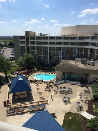 Marriott at the University of Dayton: Outdoor Pool