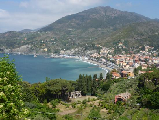Looking back to Levanto from path
