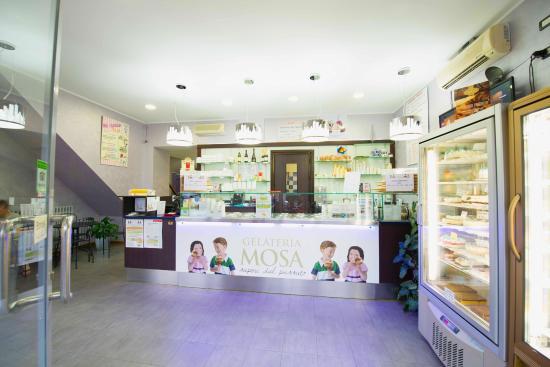 Mosa Gelateria: Interno gelateria