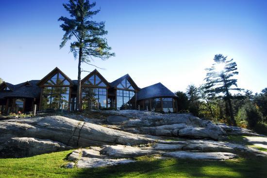Rocky Crest Golf Resort: Golf Clubhouse