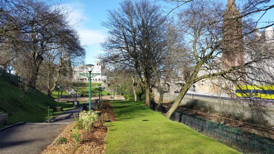 Union Terrace Gardens: Caminhada no parque