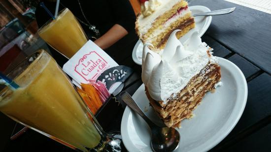 La Cuadra + Café