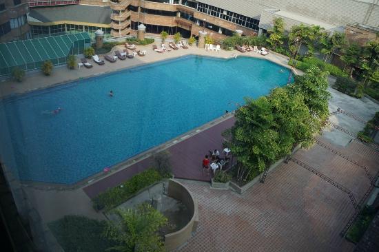 Lotus Hotel: La piscine située au 7ème étage
