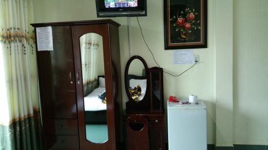 Lu Khach - Travelers' Home 2: this room and hotel/hostel has all you need!!