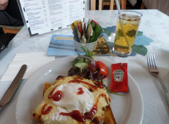 Watergate Tea Rooms: Rarebit -another view for comparison