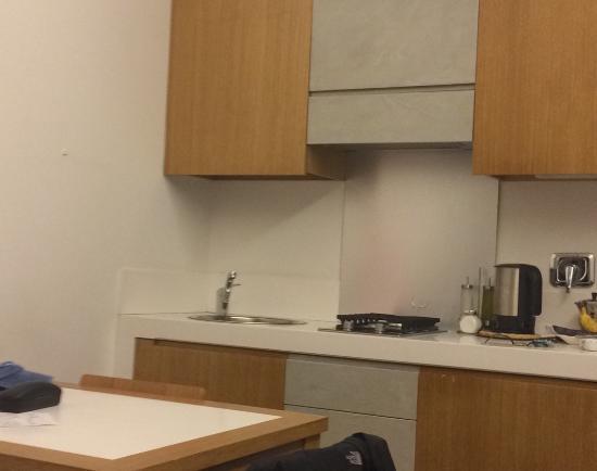 The Telegraph Suites: Kitchen