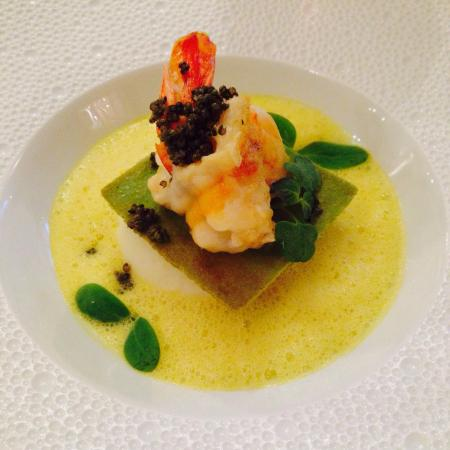 """Menu copieux et raffiné. Excellente table.  Mention spéciale pour le dessert """"Abricot""""... Surpr"""
