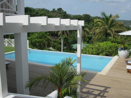 Round Hill Hotel & Villas : Cottage pool