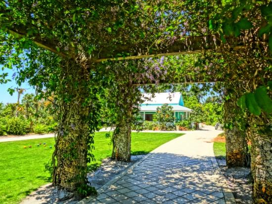 Caribbean garden chattel house picture of naples - Botanical gardens naples florida ...