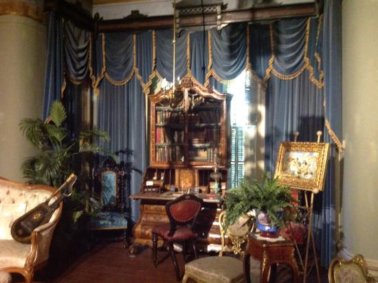 Glanmore National Historic Site: A beautifully furnished sitting room