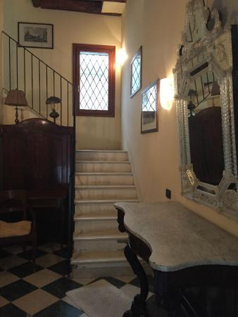 Ca' Satriano: Hall de entrada do apartamento