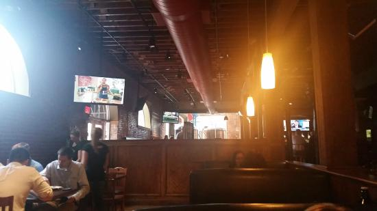 Bricktown Brewery Restaurant: BB