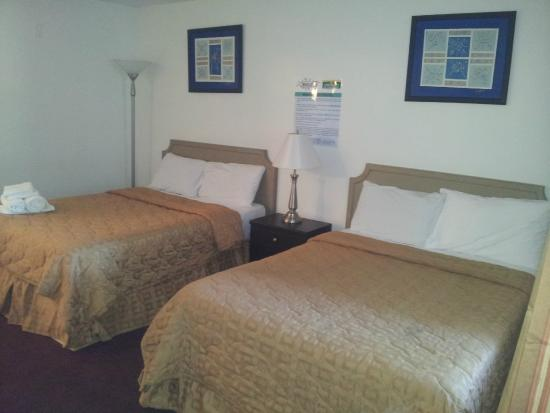 America's Best Inn & Suites : Room