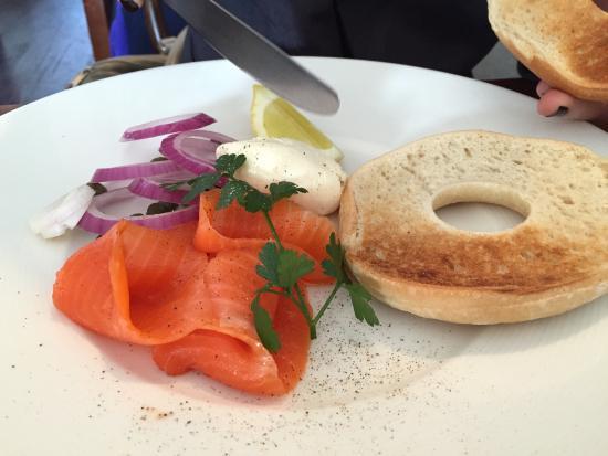 Upland Cafe: Salmon bagel