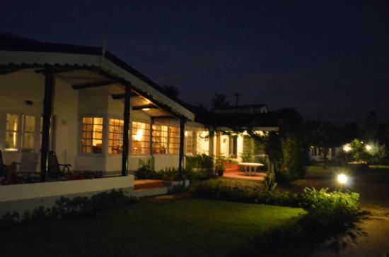 Red Hill Nature Resort: night view valley view rooms