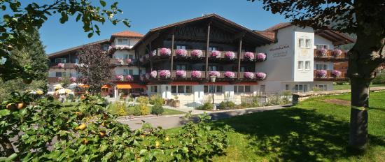 "Parkhotel Seefeld: Hotelansicht  ""Süd"""