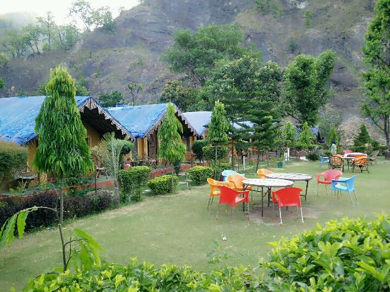 Him River Resort: Cottages with garden area