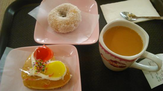 J' Donuts: ほどほどの甘さ、うーん、日本のMDにもこんなのあったね。