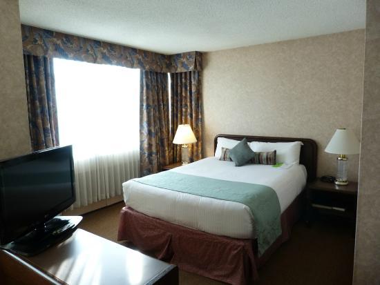 Coast Plaza Hotel Suites Chambre