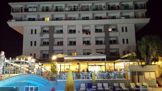 smartline Konaktepe Hotel: Voorkant hotel