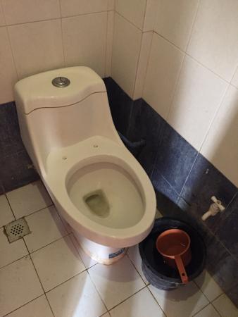 Vinzons, Philippinen: Bathroom