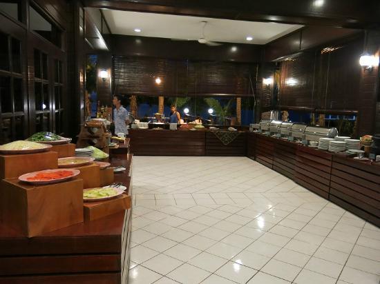 Layang Layang Island Resort: Dining area