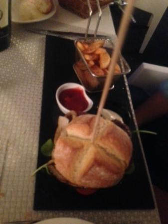 Sharme Restaurant Lounge bar : Hamburguesa