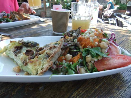 Divas Cafe: Lunch.