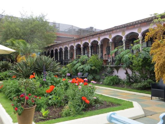 Gentil The Roof Gardens: The Spanish Garden