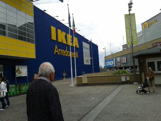 Ikea e leroy merlin picture of galleria commerciale - Porta di roma ikea ...