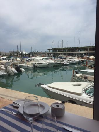 Marisqueria El Faro: The view from the restaurant