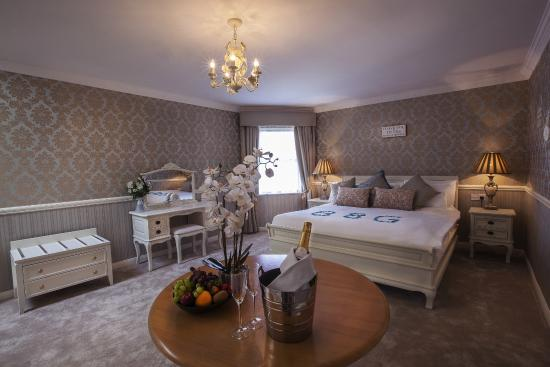Castle Arch Hotel: Bridal Suite